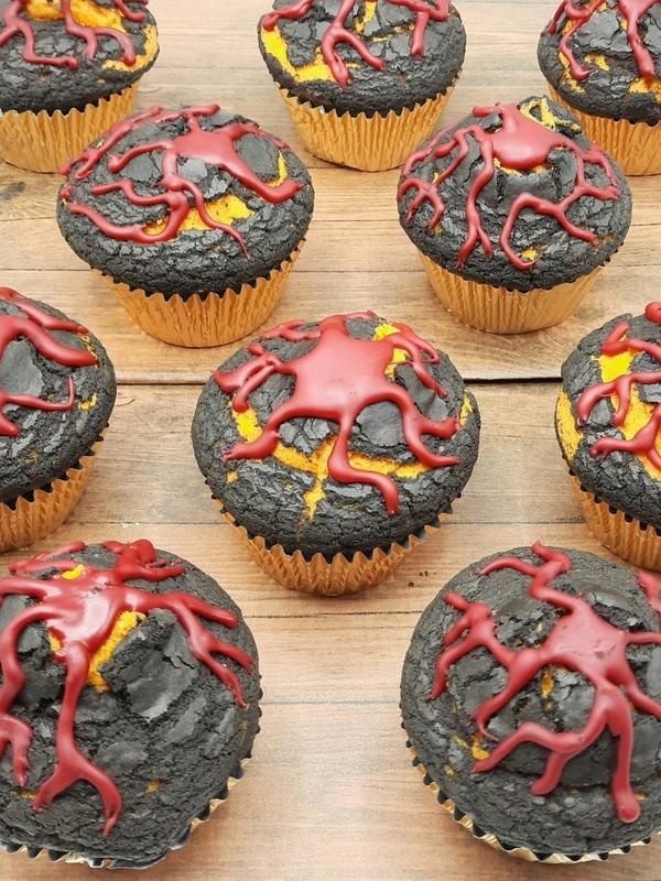 Vulkaan cupcakes 12 stuks